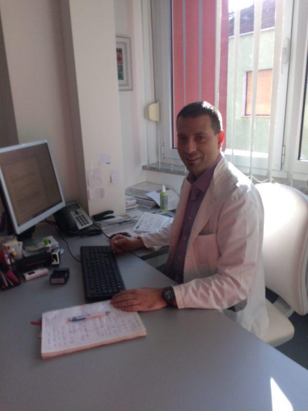 Dr.  Tomislav Stojadinović, specijalist otorinolaringologije, subspecijalist plastične kirurgije glave i vrata